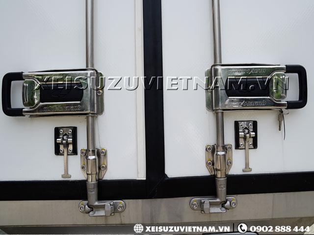 Tay khóa kiểu container