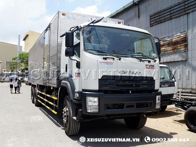 Xe tải Isuzu 14T5 mui kín FVM34WE4 giá hấp dẫn - Xeisuzuvietnam.vn