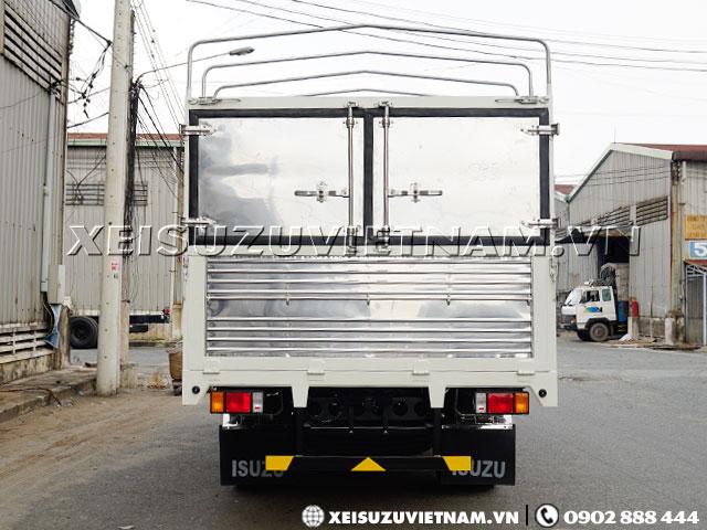 Xe tải Isuzu 5T5 thùng bạt NQR75LE4 mới nhất - Xeisuzuvietnam.vn