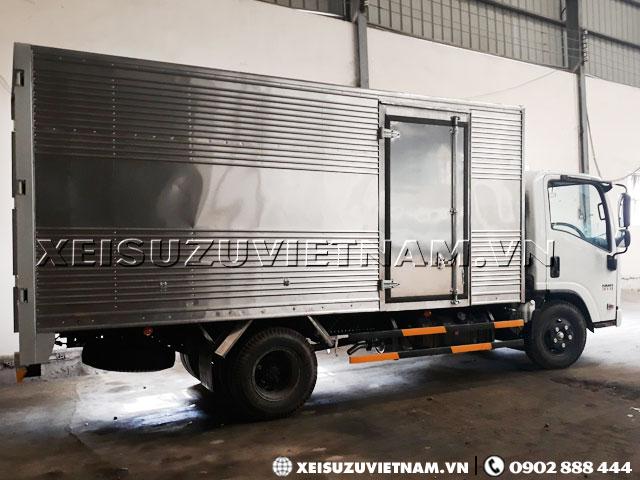 Xe tải Isuzu 2T3 mui kín NMR77EE4 giá ưu đãi - Xeisuzuvietnam.vn